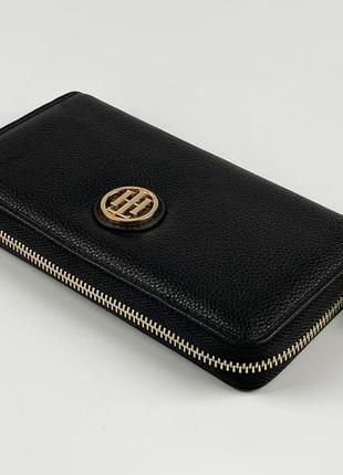 Женский кошелек портмоне на молнии tommy hilfiger. кожа высокого качества. цвет черный