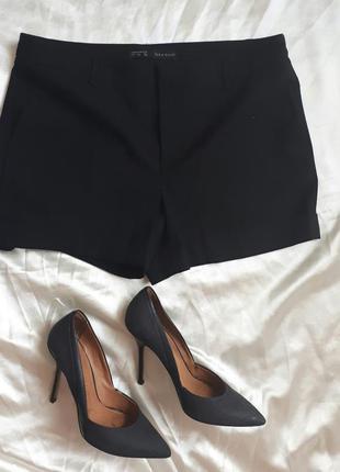 Черные шорты zara