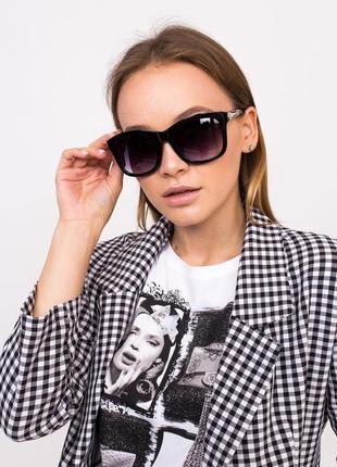 Мегастильные солнцезащитные очки.  крутые очки модная оправа