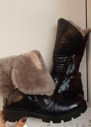 Женские зимние ботинки на грубой подошве