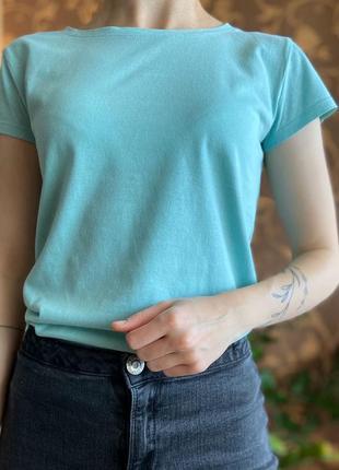 Бирюзовая футболка от sinsay