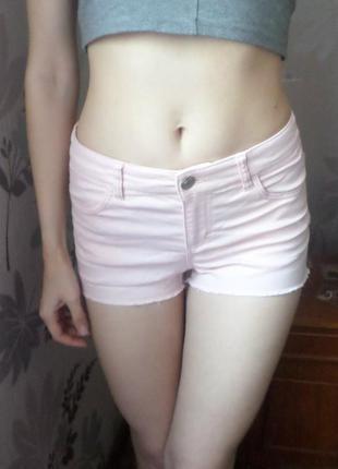 Джинсовые шорты нежно-розового / пудрового цвета
