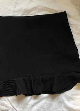 Юбка чёрная bershka обтягивающая  колокольчик