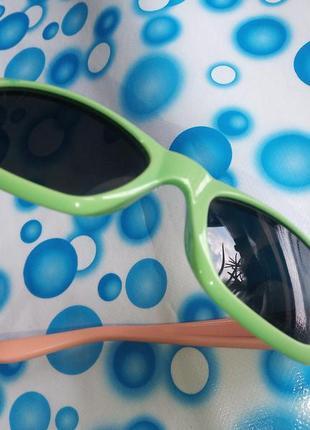 Очки солнцезащитные детские из гибкого пластика