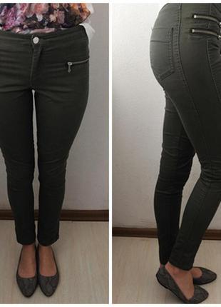 Мега крутые джинсы цвета хаки