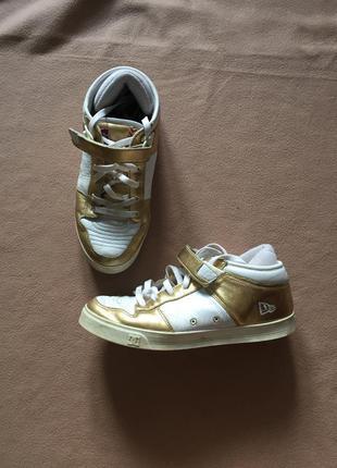 Кожаные золотистые кроссовки/ скейтеры большого размера