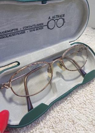 Фирменные качественные очки оправа. luxottica. италия.