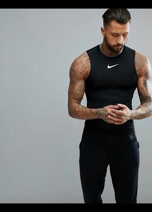 Черная компрессионная футболка без рукавов nike training pro