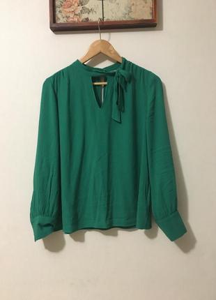 Натуральна блуза з завязкою