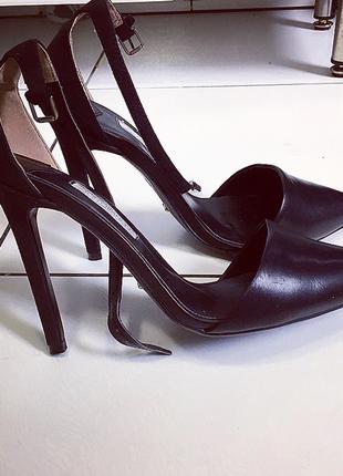 Кожанные лодочки/ туфли tony bianco/кожанная обувь/ кожанные боссоножки/ стильные туфли/
