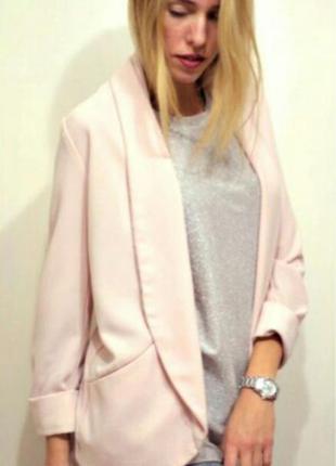 Пиджак нежно розового цвета