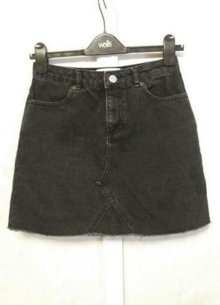 Джинсовая юбка с актуальным необработанным  краем miss selfridge
