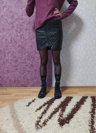 Ассиметричная мини-юбка из экокожи