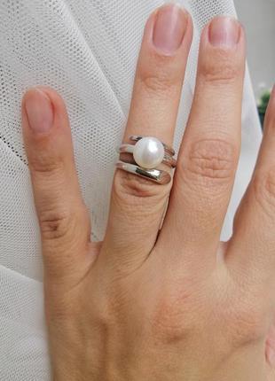 Каблучка срібна з вставкою перли. італія