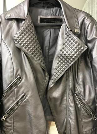 Куртка эко-кожа с шипами
