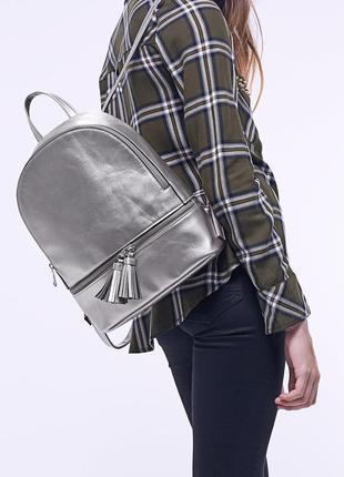 Новый рюкзак  stradivarius