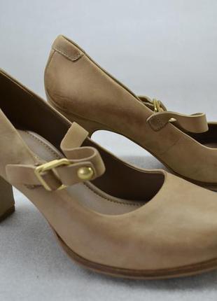 Распродажа! бежевые туфли с застежкой ессо. оригинал