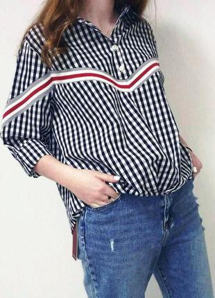 Стильная итальянская рубашка в клетку в стиле zara. италия