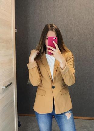 Пиджак жакет на пуговицу