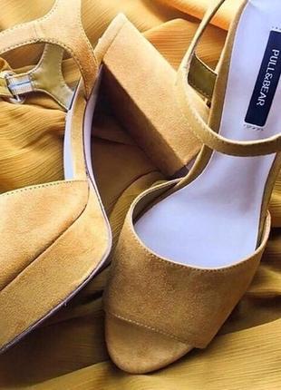 Горчичные босоножки сандали с ремешком очень удобные эко замша