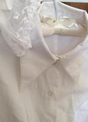 Блуза в великолепными манжетами.