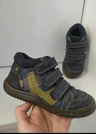 Кожаные фирменные деми ботинки 15-16,5 см