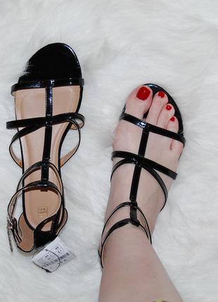 Босоножки черные на низком каблуке 41 р-р 26 см