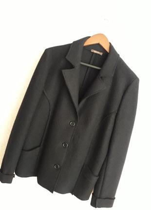 Итальянский бомбезный шерстяной пиджак