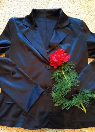 Красивый пиджак, лёгкий, атлас