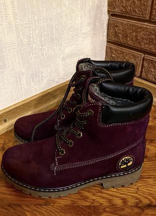 Зимние ботинки на шнурках