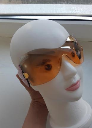 Солнцезащитные очки denis simachev.