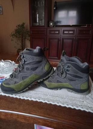 Осенние кроссовки ботинки lytos