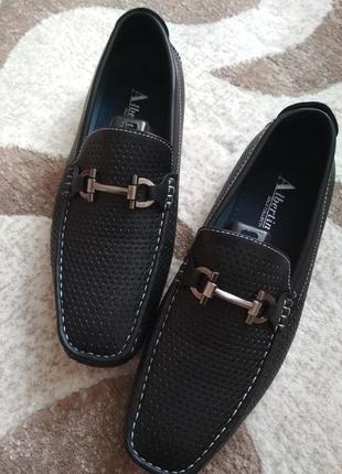 Крутецькі туфлі мокасини кроссовки туфли італія