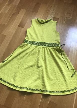Ручная вышивка на  платье на river island