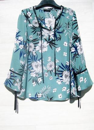 Блуза bonita голубая разноцветная цветочный принт как шёлковая