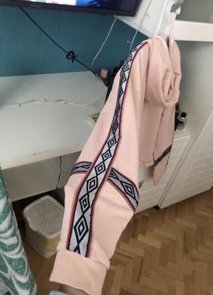 Худи umbro укороченное оригинал толстовка оверсайз с лампасами розовое {не adidas}3 фото