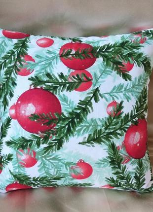 Новогодняя наволочка с шарами 35*35 см