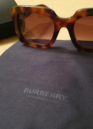 Оригинальные 100 % стильные модные очки burberry