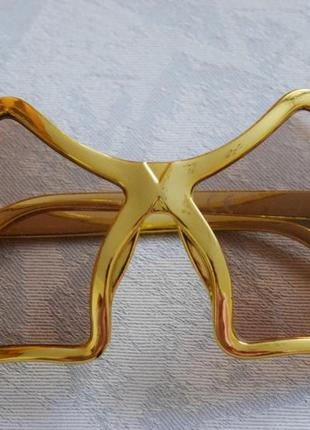 Прикольные очки в золотистой оправе в форме звезд