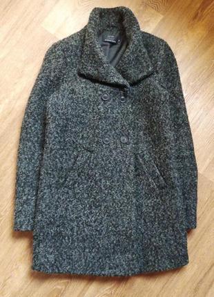 Шерстяное букле пальто