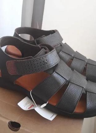 Продам полностью кожаные мужские сандалии bata