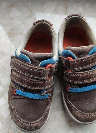 Шкіряні кросівки clarks;
