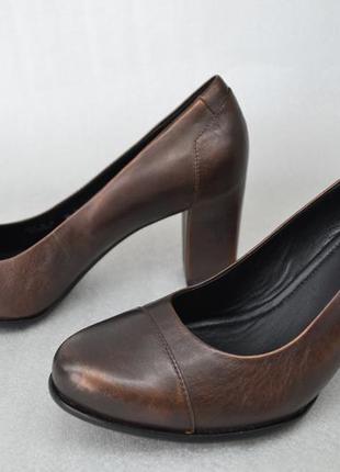 -10%. кожаные туфли на устойчивом каблуке ecco. оригинал