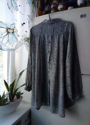 Блузка, оригинальный крой спинки