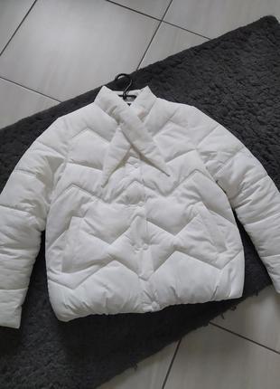 Білосніжна куртка пуховик на холодну осінь єврозиму