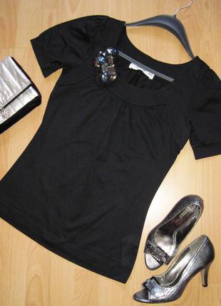 Блуза трикотажная с брошью из камней