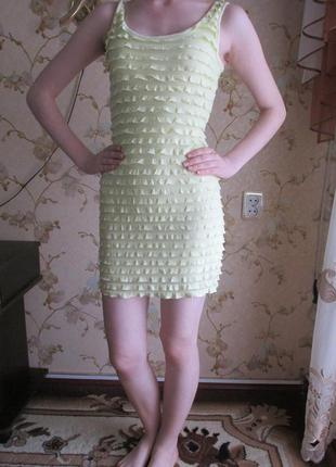 Яркое желтое платье от h&m
