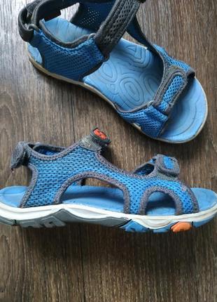 Босоножки, сандалии 32р