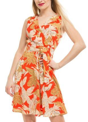Платье с поясом tenki с v-образным вырезом, и цветочным принтом