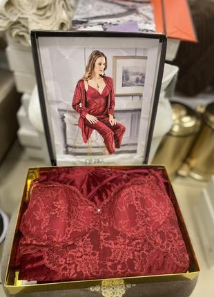 Бархатный женский комплект пижама и халат с французским кружевом